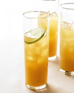 Pineapple-Rum-Cocktail
